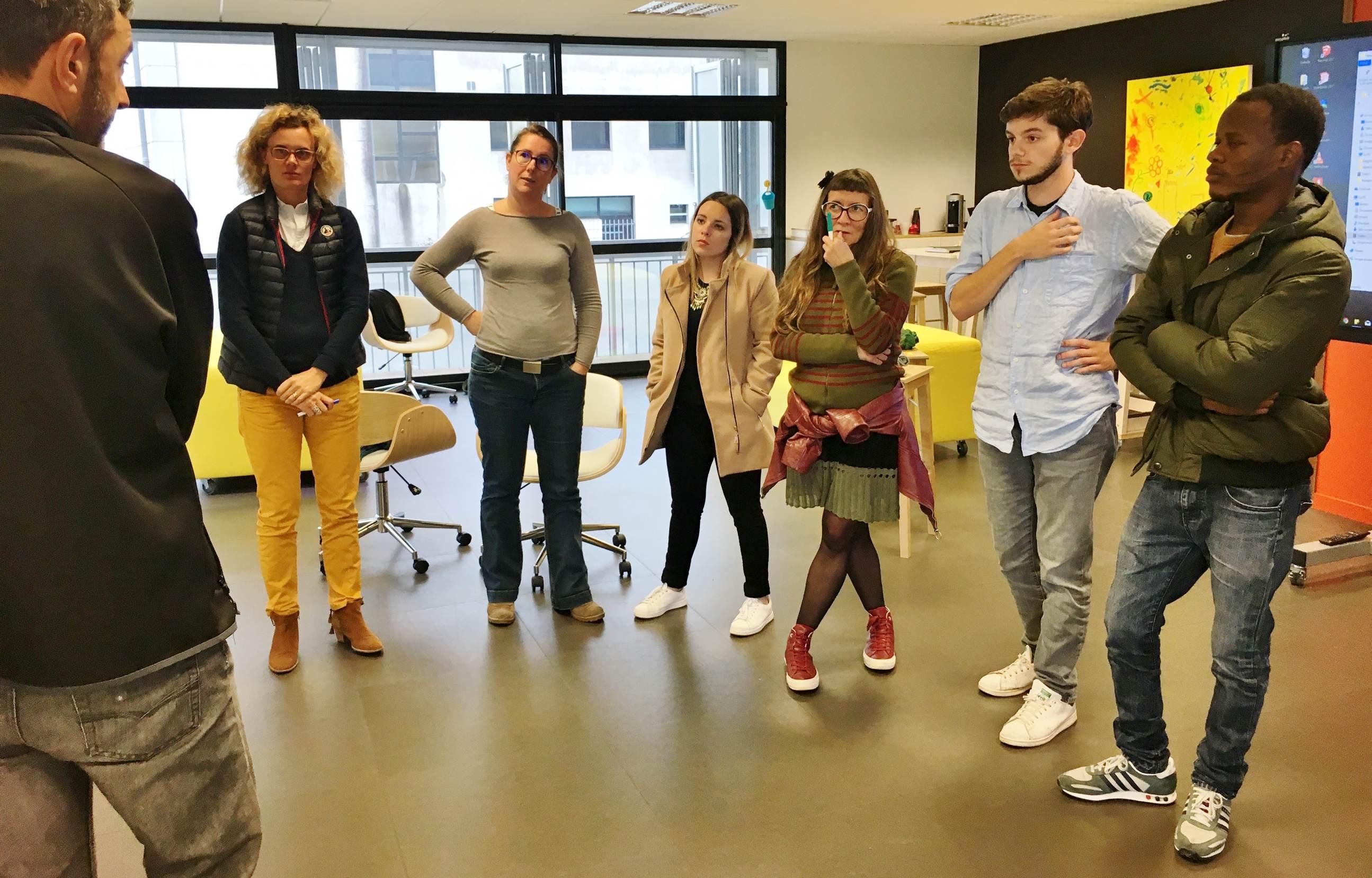 Les coworkers expérimentent l'intelligence collective à l'Atelier du Futur